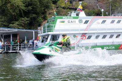 Desde hoy el buque  'Pienta', vigila el embalse Topocoro en Santander