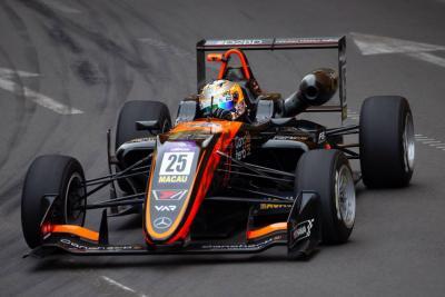 Sophia Flörsch sobrevive a grave accidente en GP de Macao de F3